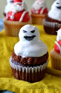 Evil Snowmen Christmas Cupcake