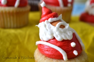 Doctor Who Santa Christmas Cupcakes