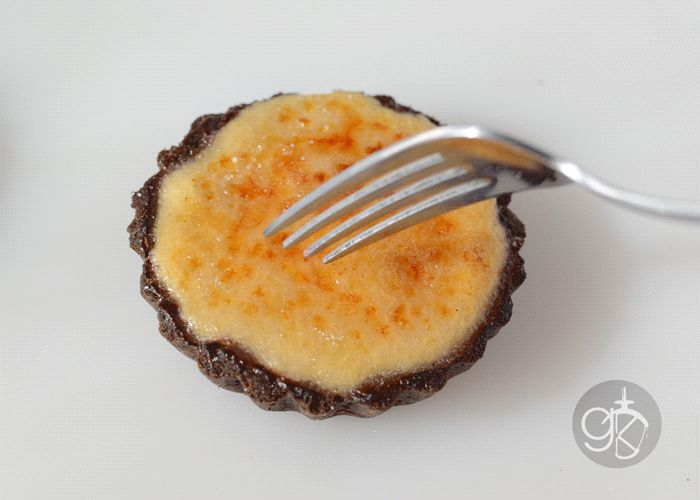 Caramelized White Chocolate & Boozy Raspberry tarts