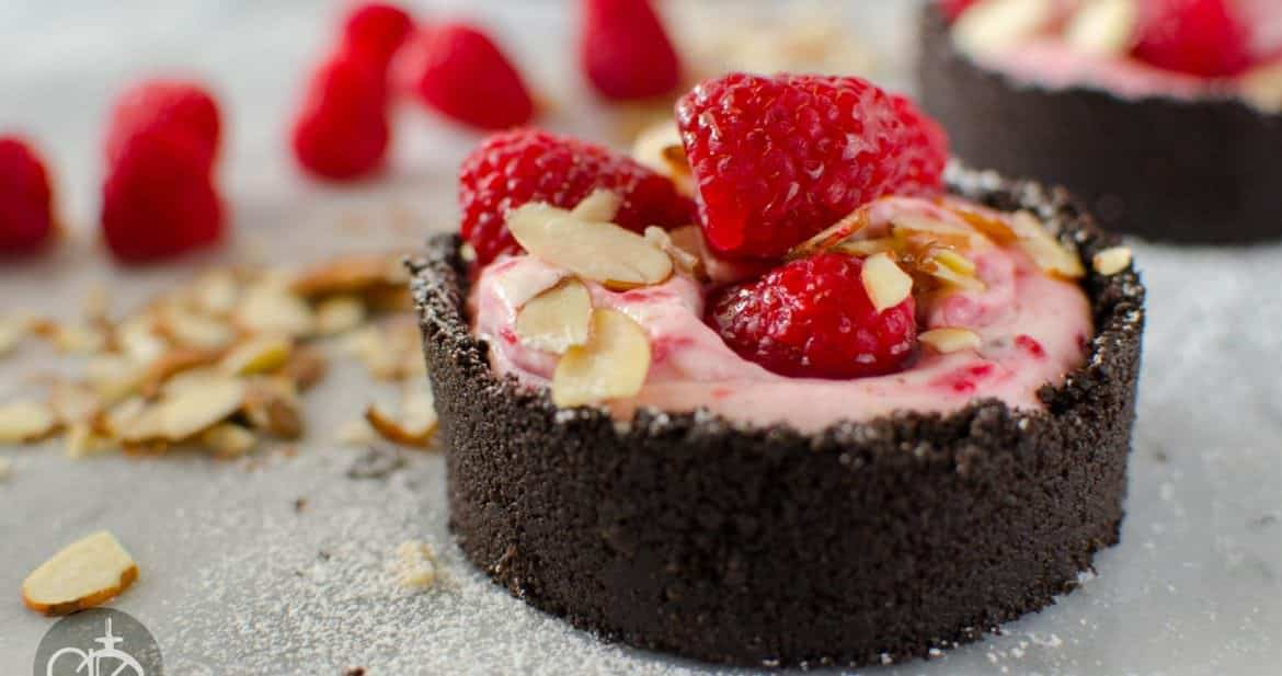 Easy and delicious No bake Cheesecake with Raspberry and Lavender ...