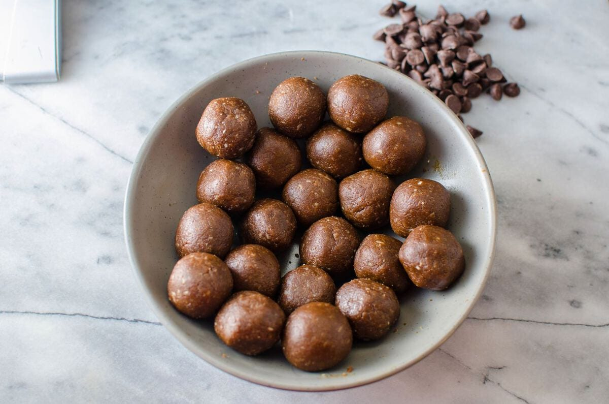Bourbon Gingerbread Truffles | The Flavor Bender