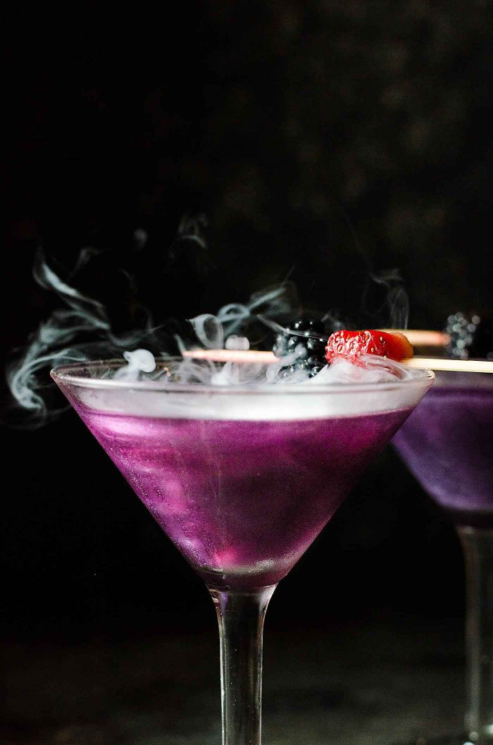 The witch 39 s heart halloween cocktail the flavor bender for Fun cocktails to make