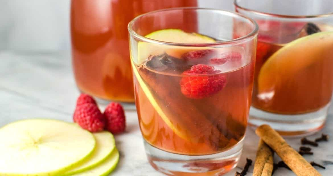 This Spiced Raspberry Apple Cider - will take your regular apple cider to another level! Not only does it look beautiful with the red hue, the raspberries add a delicious berry flavour with tang! Plus that maple syrup makes it even better!