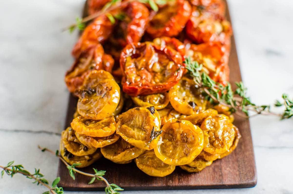 Juicy Slow Roasted Tomatoes | The Flavor Bender