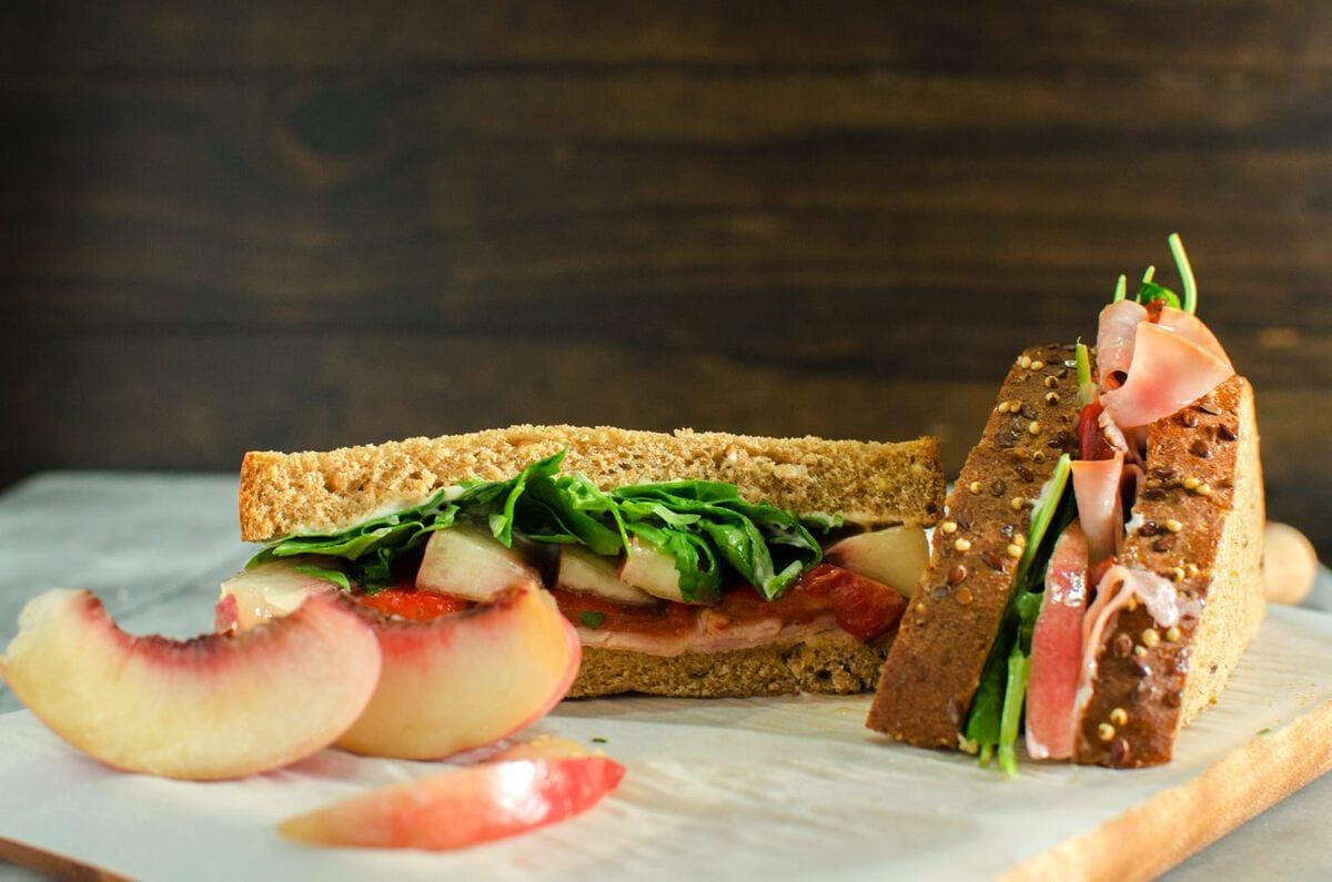 Nectarine Roasted Pepper and Ham Sandwiches are the perfect Summer ...