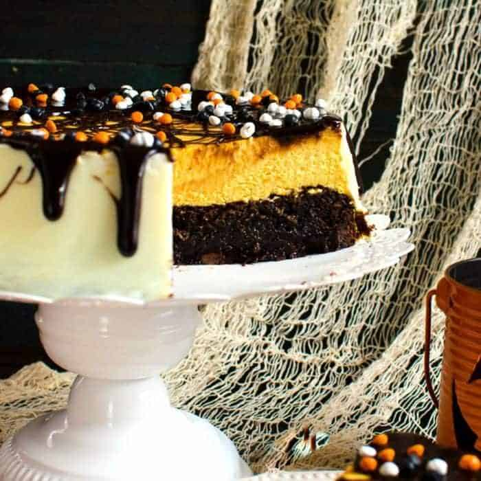 Brownie Bottom Pumpkin Cheesecake With Chocolate Fudge Sauce