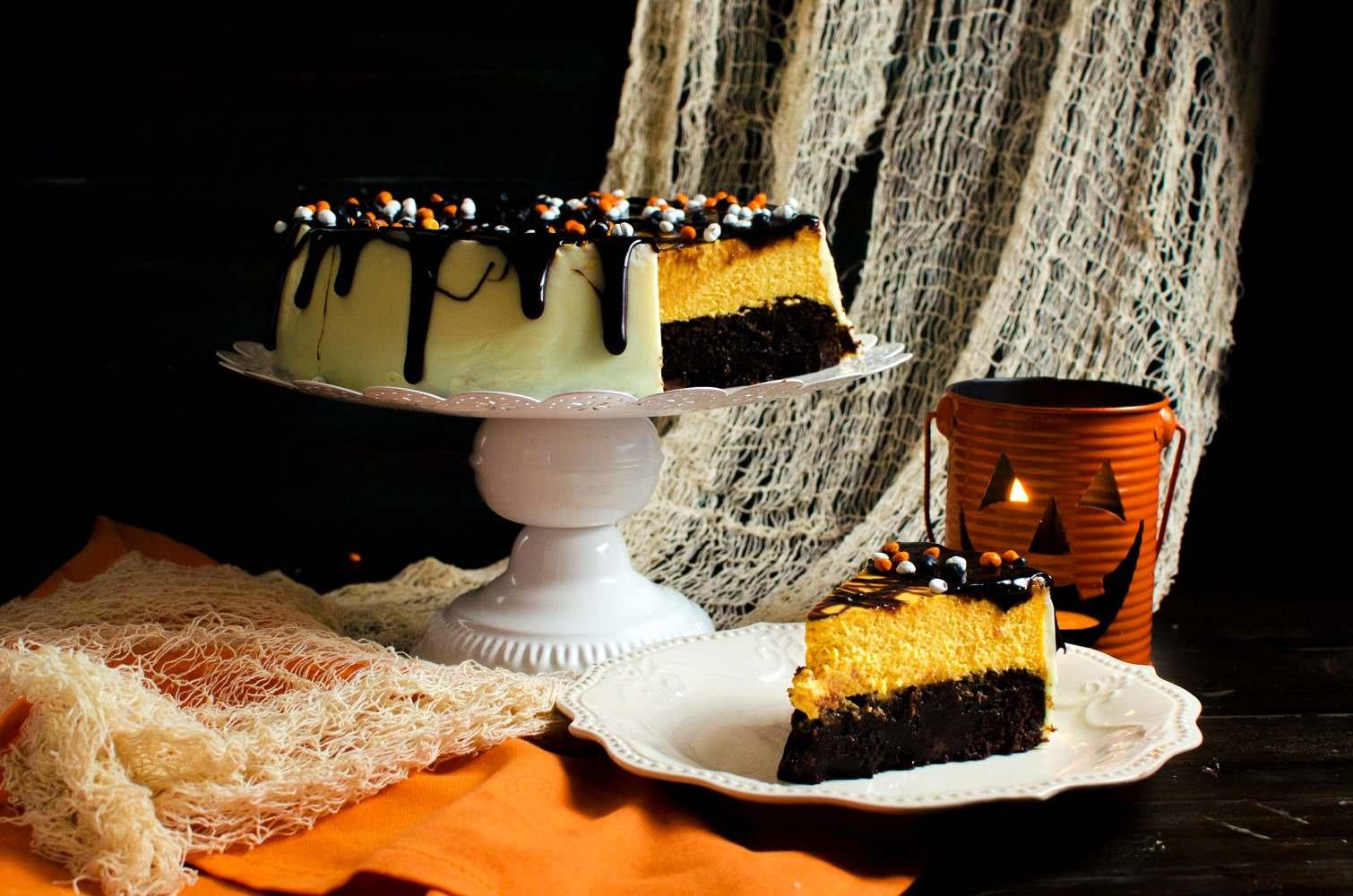 Brownie Bottom Pumpkin Cheesecake With Chocolate Fudge ...