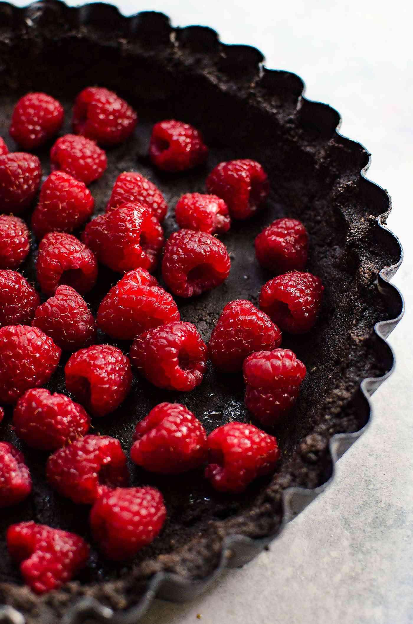 Popping No Bake Chocolate Raspberry Pie   The Flavor Bender