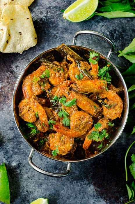 Learn how to clean Shrimp, so you can make amazing recipes like this Sri Lankan Prawn Curry (Shrimp Curry)