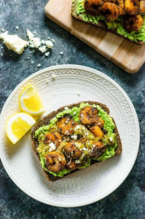 Spicy Cajun Shrimp and Avocado Toast - a quick, light and delicious weekday lunch or weekend brunch for those busy days! Creamy Avocado Toast topped with backened Cajun spiced shrimp, salsa verde and Cojito.