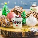 Christmas OREO balls - Fun and easy decoration ideas for these Mint Oreo Truffles! Christmas baubles truffles, Hot cocoa truffles, pine cone truffles, and Christmas tree truffles. Perfect for gifting for the holiday season!