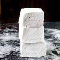 How to make Marshmallows - Learn the art of making fluffy, soft homemade marshmallows with or without corn syrup! With tips and information to make the perfect Marshmallows in many flavors.