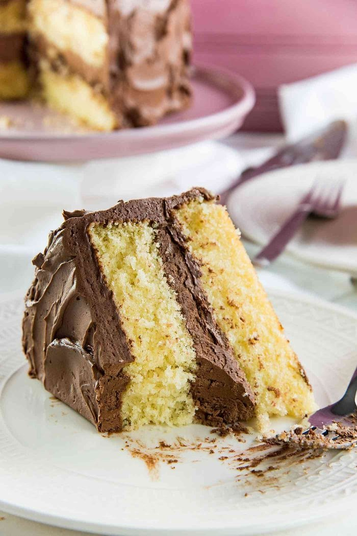 The Best Vanilla Cake - A deliciously moist and soft vanilla cake, that your family will love!