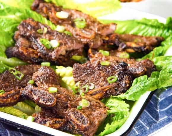 LA Galbi (Korean BBQ Short Ribs) - Sweet and savory, tender and delicious grilled beef short ribs. A Korean favorite that your family will love! Perfect for BBQs, or regular family dinners.