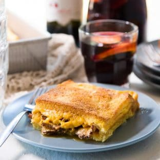 Bacon Grilled Cheese Sandwich Casserole - a delicious, make ahead breakfast casserole (or brunch casserole), that's easy to make and perfect for lazy mornings.