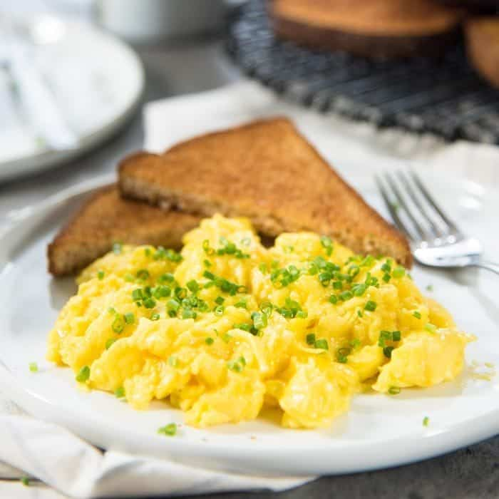 Perfect Scrambled Eggs (1 Minute Scrambled Eggs)