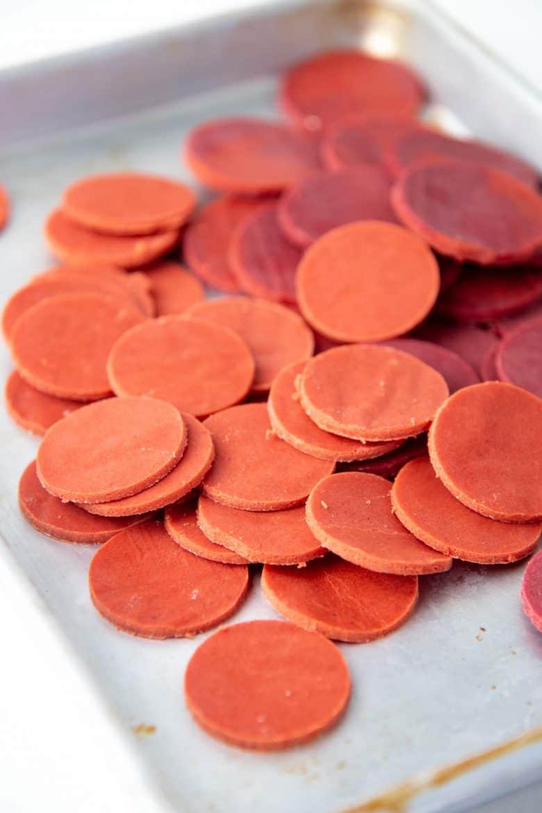 Red colored craquelin cookie discs