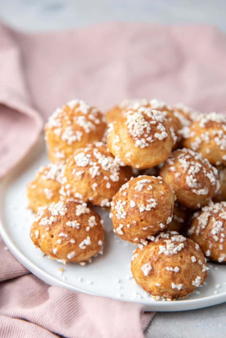 A plate of chouquettes