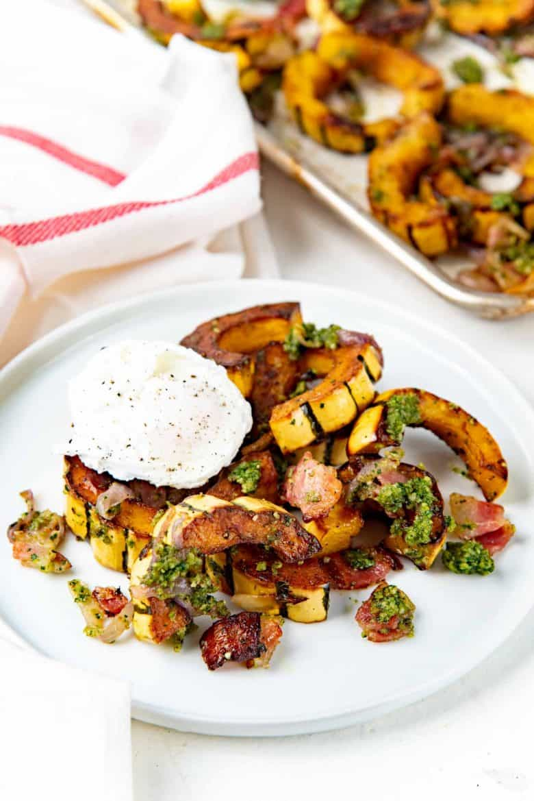Breakfast recipes with delicata squash with an egg on top