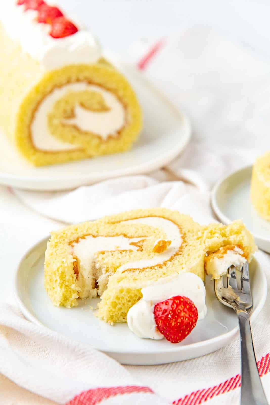 Perfect Vanilla Swiss Roll Recipe - The Flavor Bender