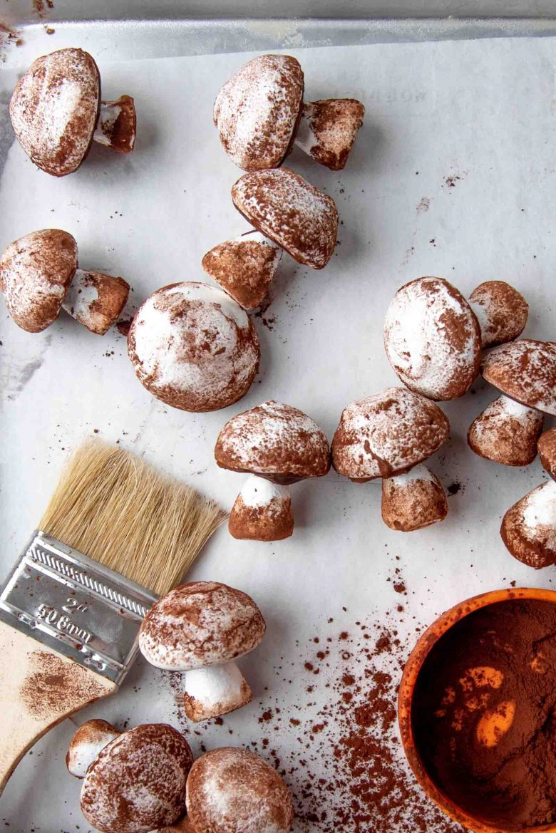 Meringue mushrooms with cocoa dusted