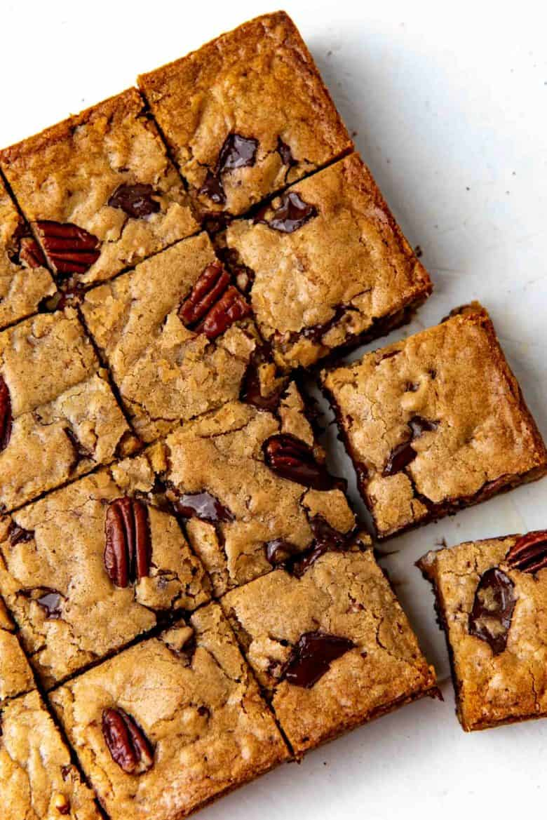 Close up of the cut blondies