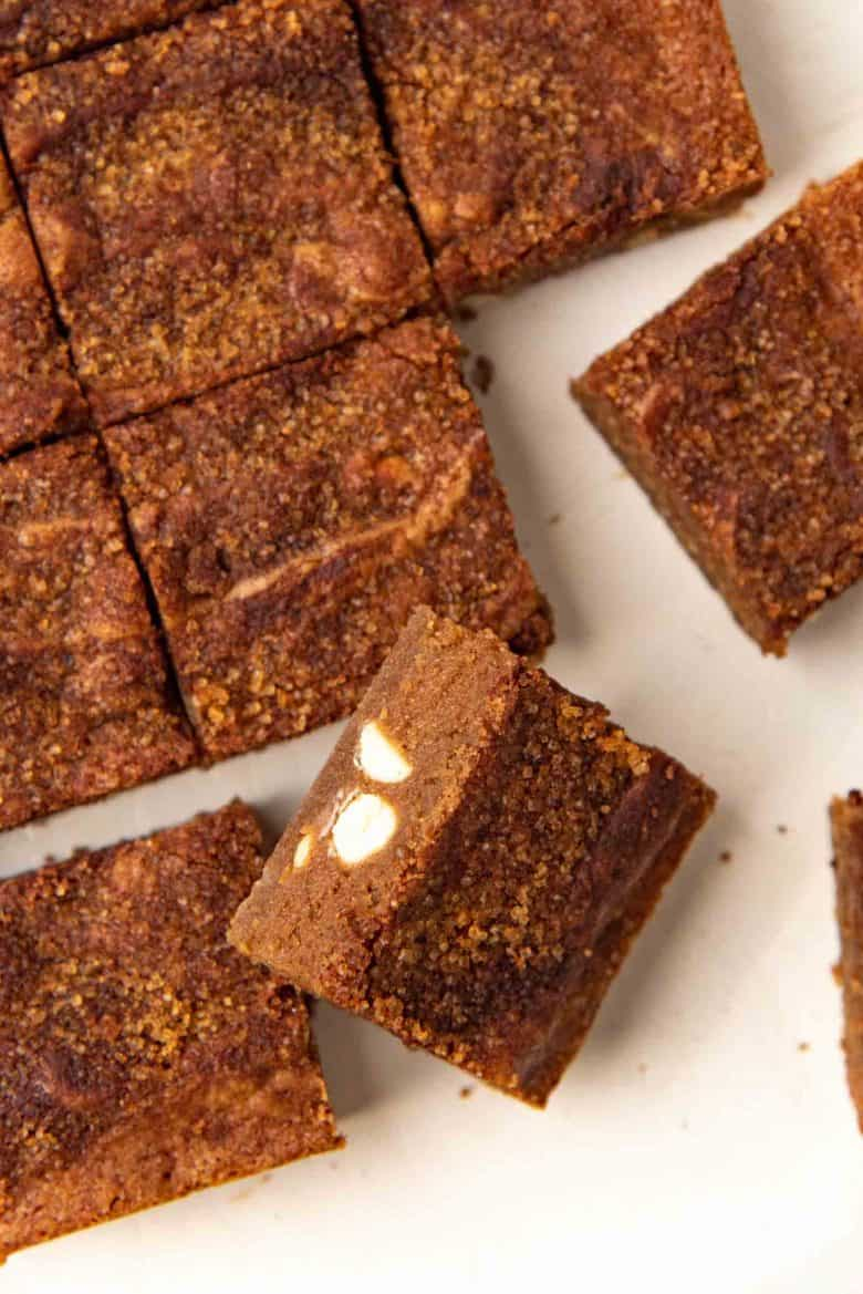 Snickerdoodle blondies cut up into squares