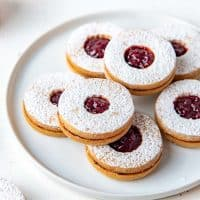 Linzer cookies social media