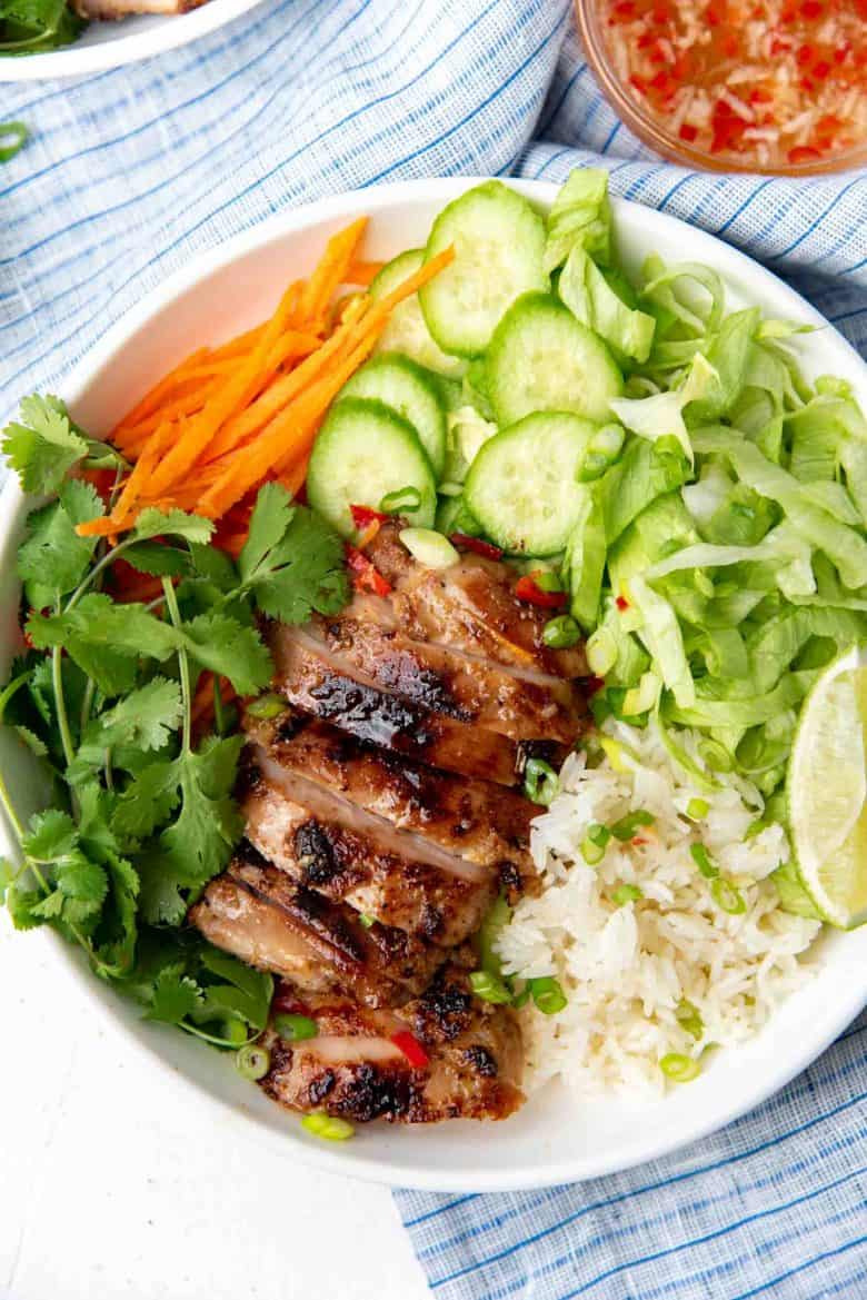 Overhead view of the chicken and rice bowl with Vietnamese flavors